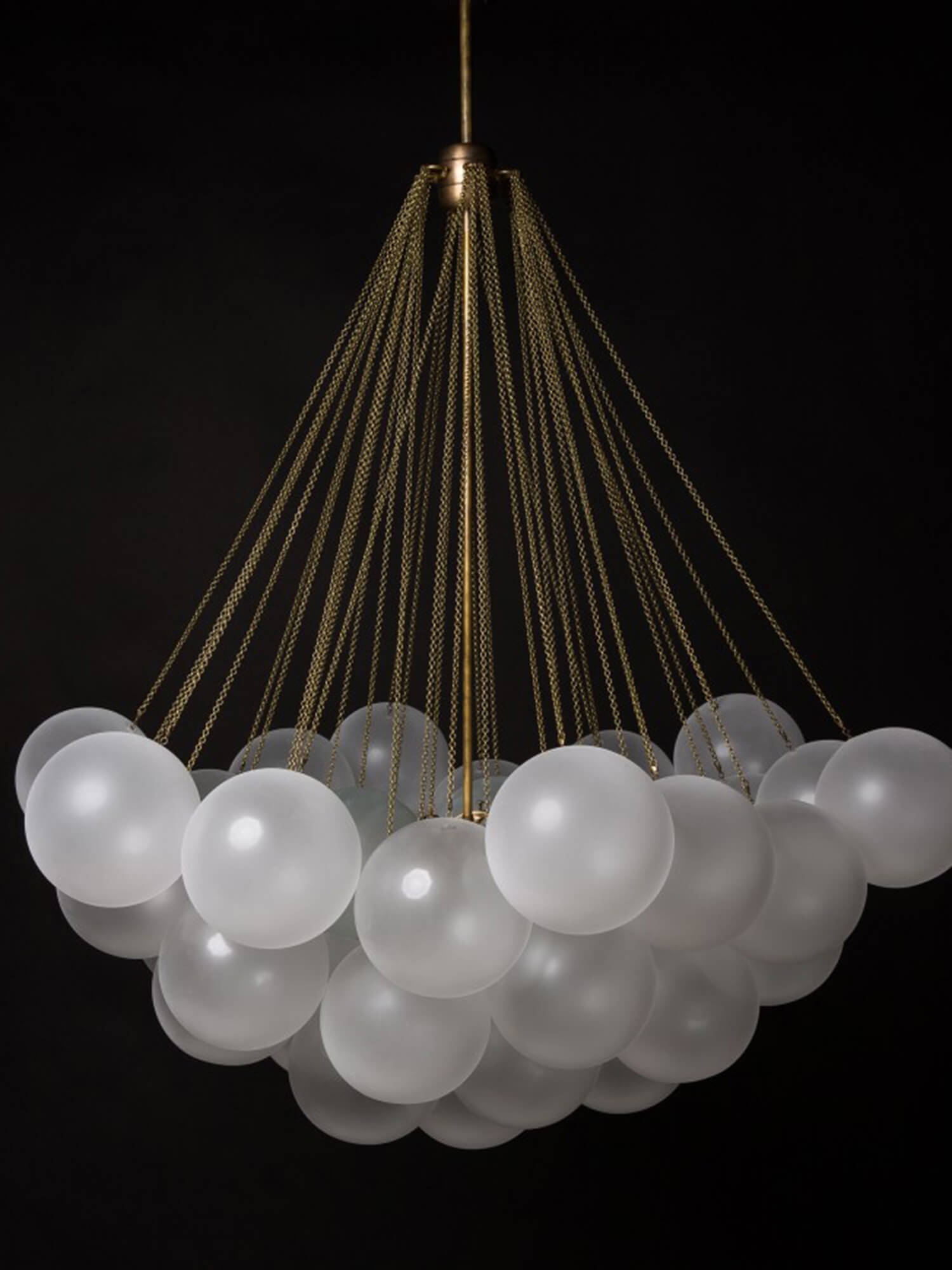 Cloud 37 Chandelier Apparatus