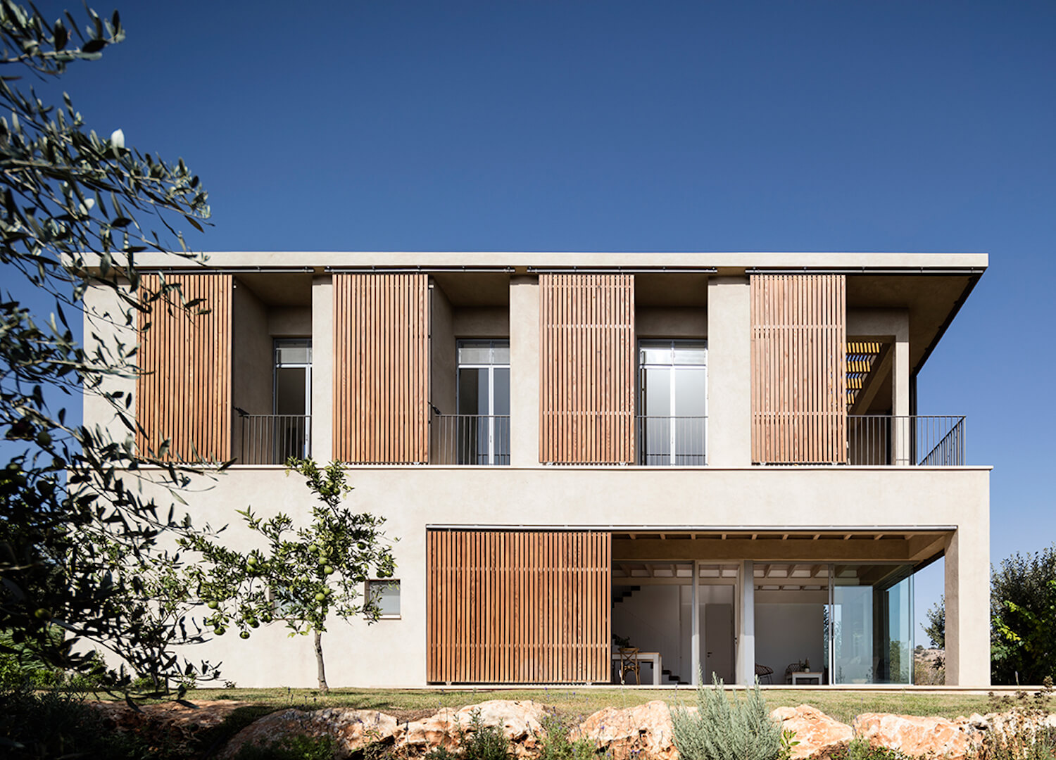 est living global interiors 23 Golany Architects Residence in the Galilee Amit Geron
