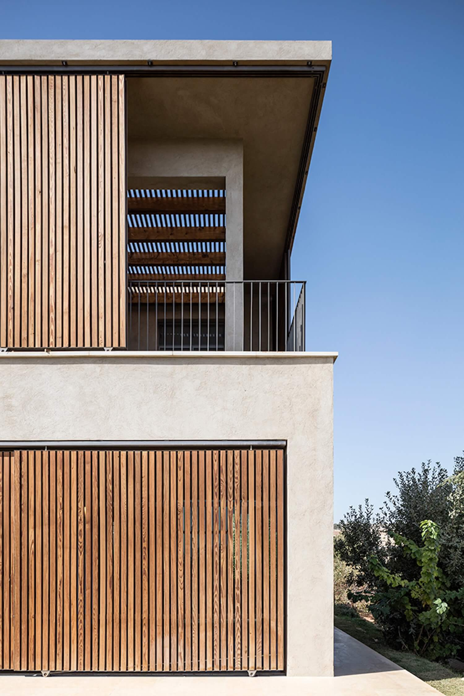 est living global interiors 39 Golany Architects Residence in the Galilee Amit Geron