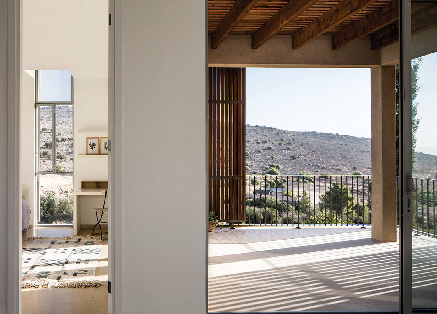est living global interiors 43 Golany Architects Residence in the Galilee Amit Geron