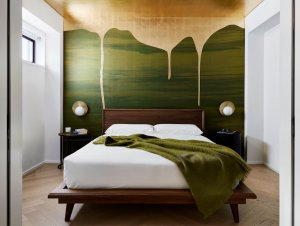 Bedroom | Chelsea Pied-a-Terre Bedroom by Stadt Architecture