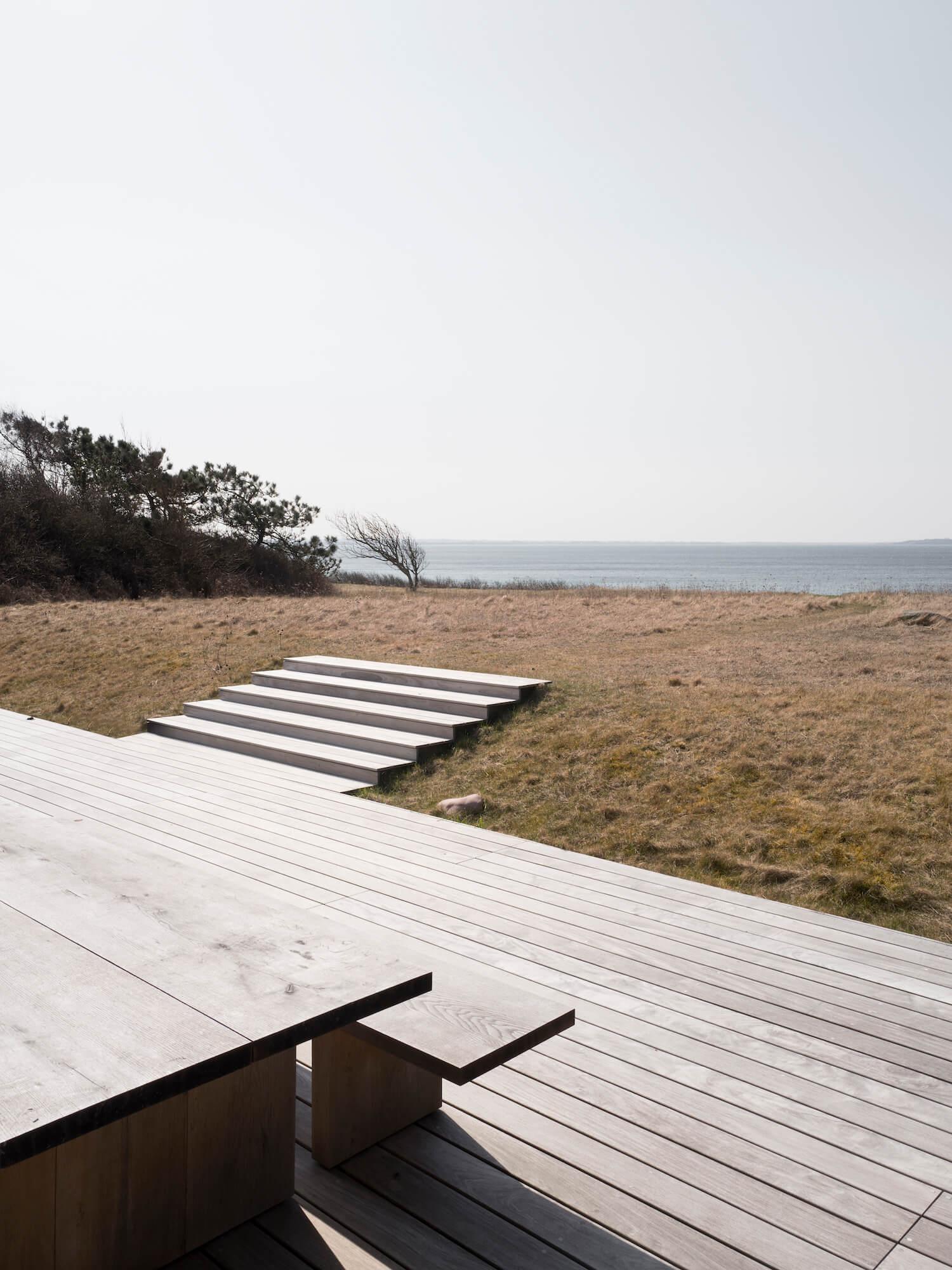 est living seaside abode norm architects 18