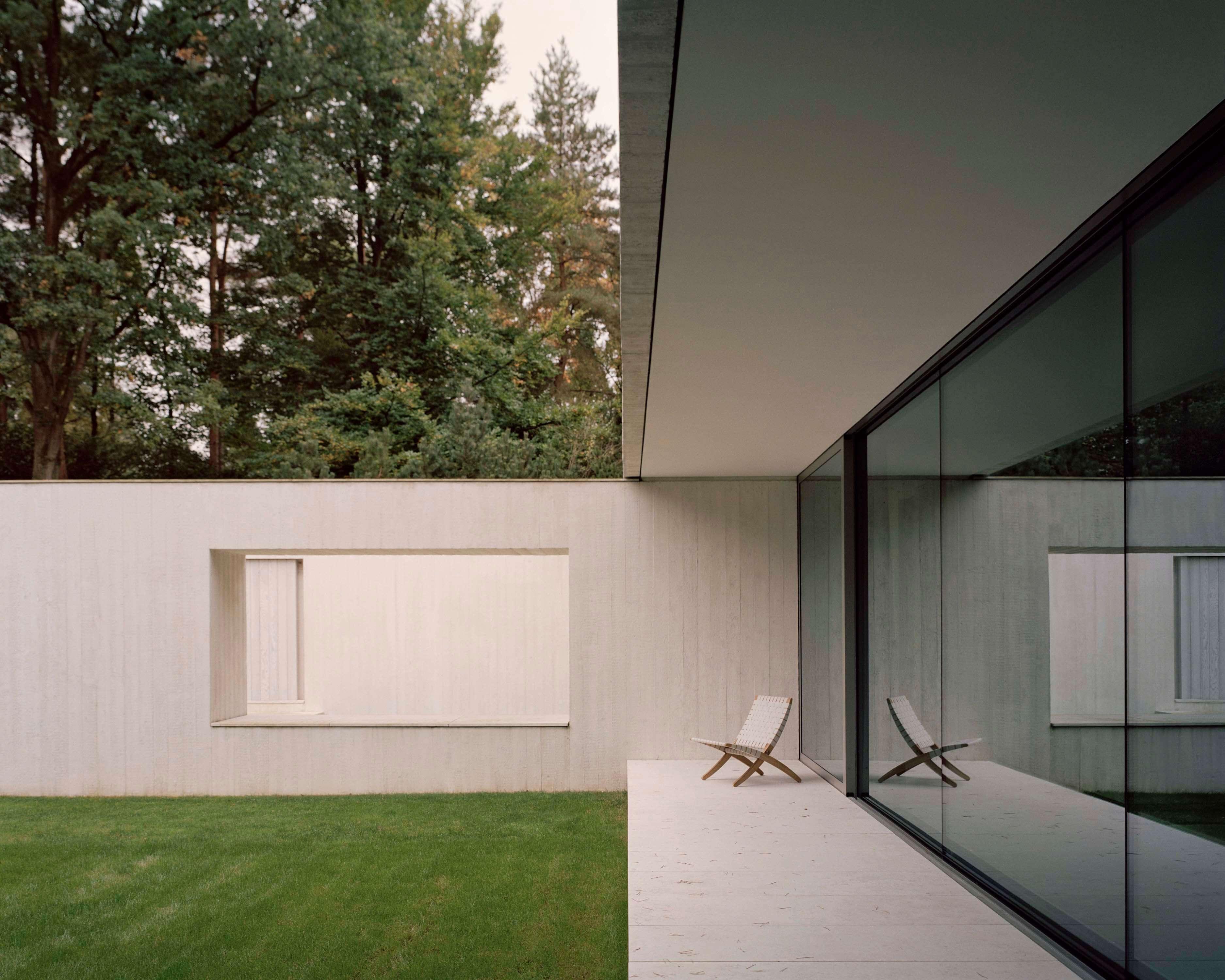 Villa Waalre by Russell Jones