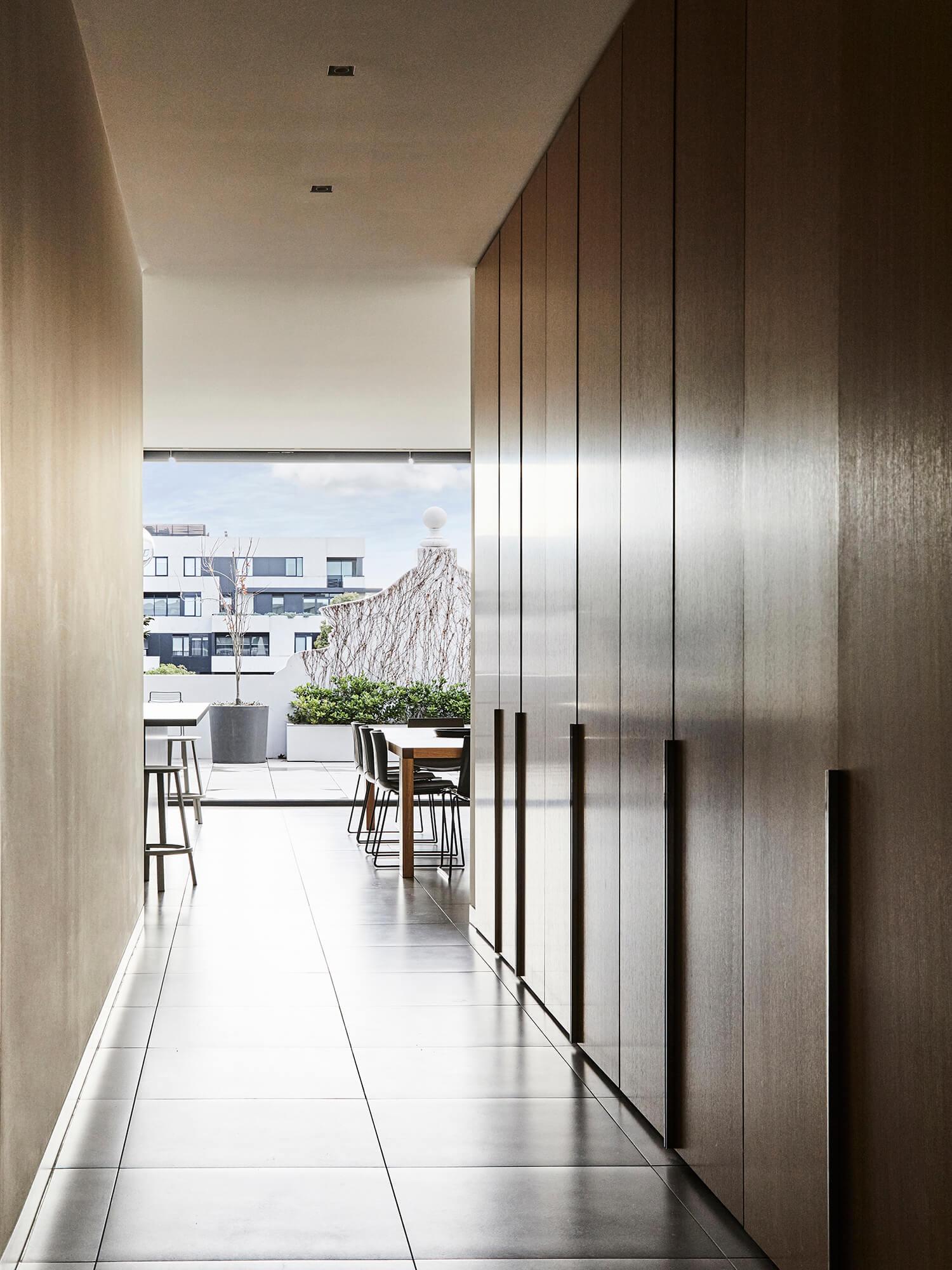 est living interiors Nexus Her Majestys Apartment 05