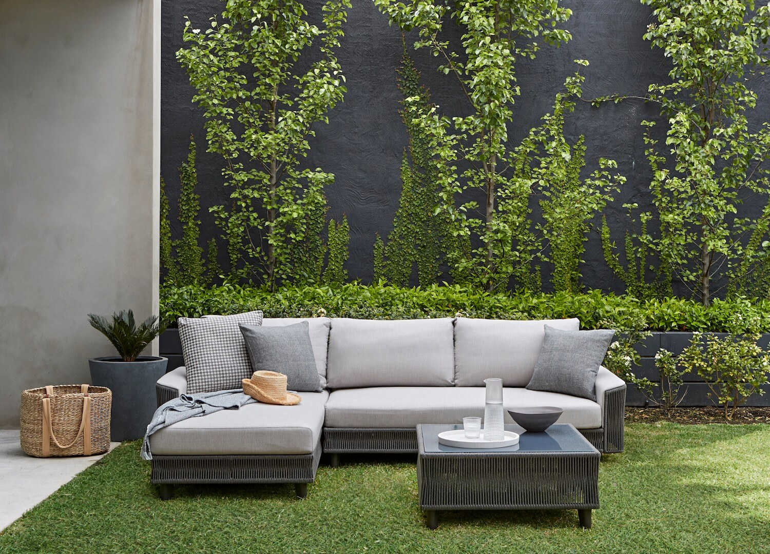est living king living family spaces 8