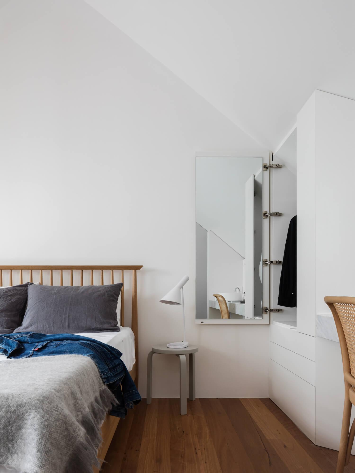 est living brad swartz loft house 7