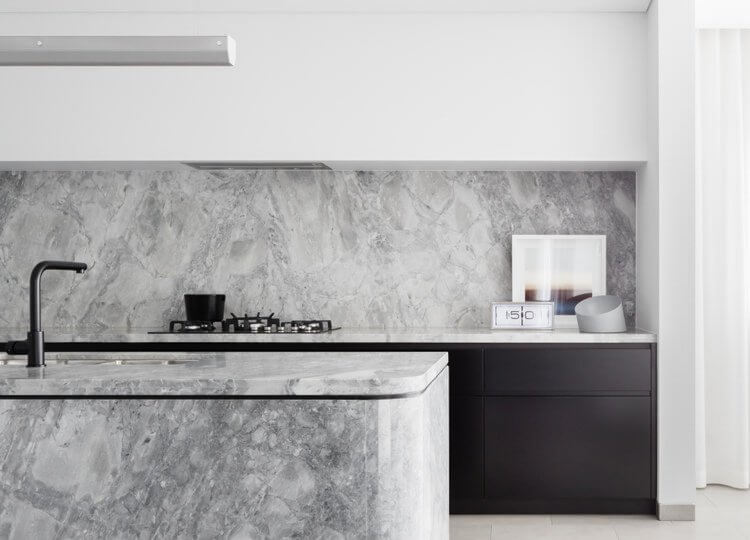 Kitchen: The Broad Residence by Baldwin & Bagnall