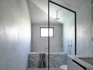 Bathroom | Casa Atrio Family Bathroom by Biasol
