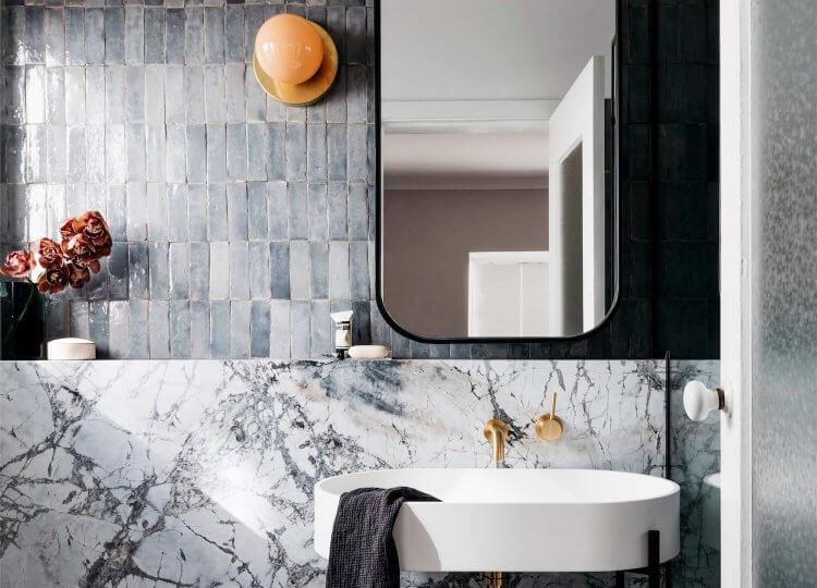 Bathroom: Woollahra Home by Decus Interiors