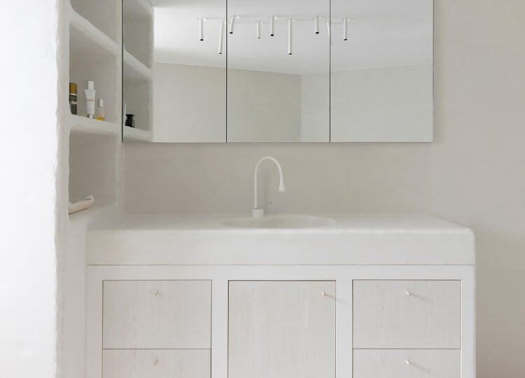 Bathroom: Vernon Apartment