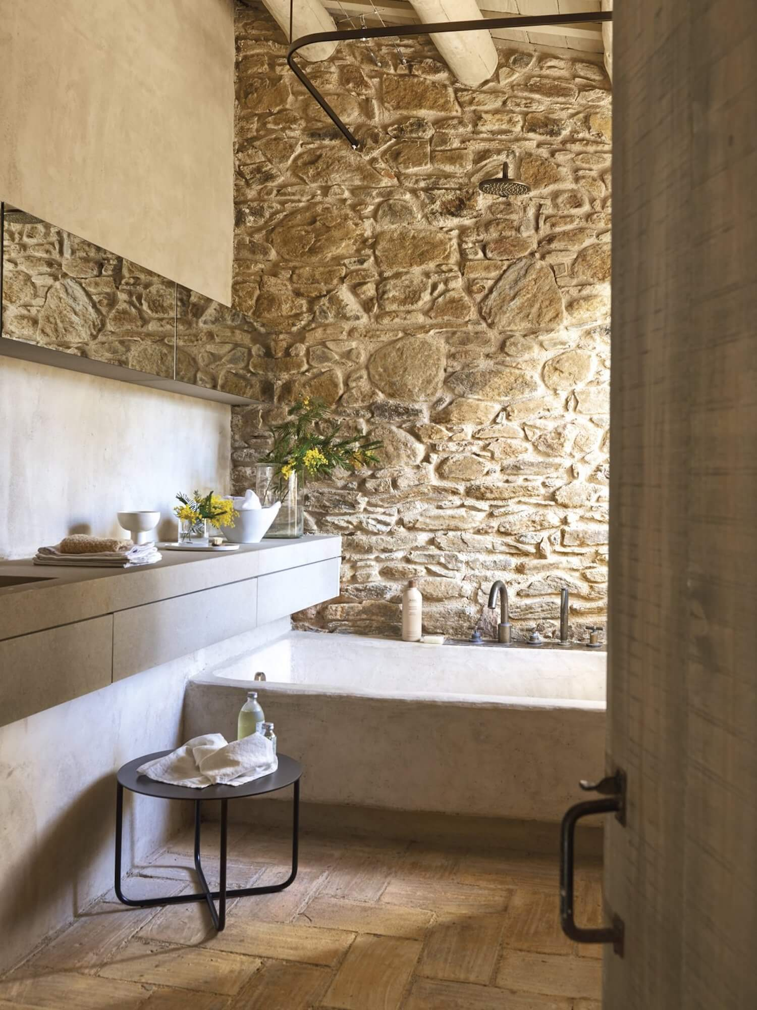 Catalonian Farmhouse Est Collection: Rural Spanish Retreats est living