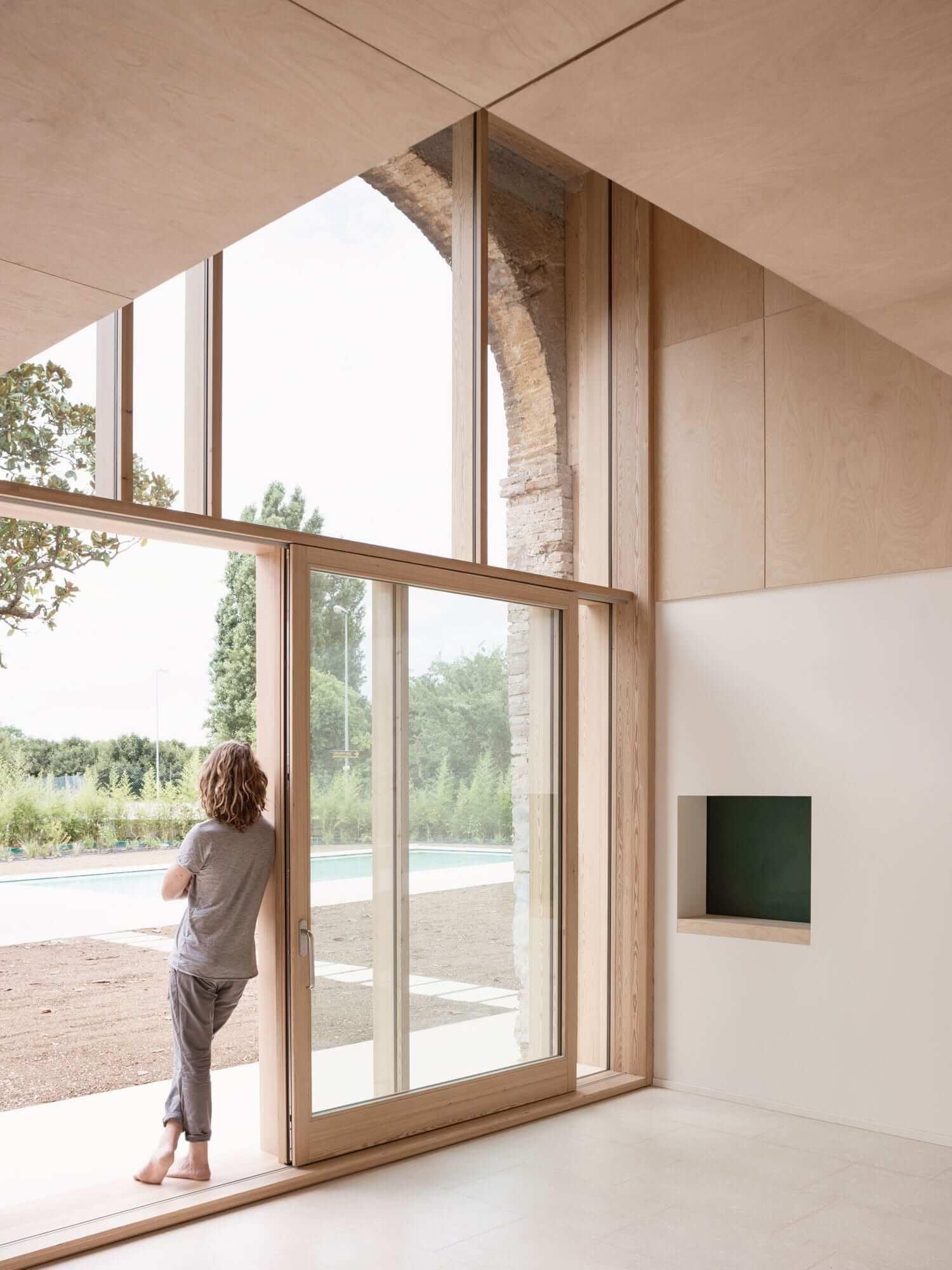 Italian Barn Conversion by Studio Wok