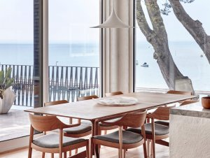 Dining: Portsea Beach House by Studio Esteta
