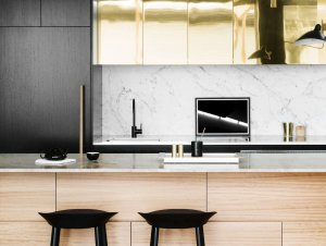Kitchen: Minimal Luxe Terrace by Fiona Lynch
