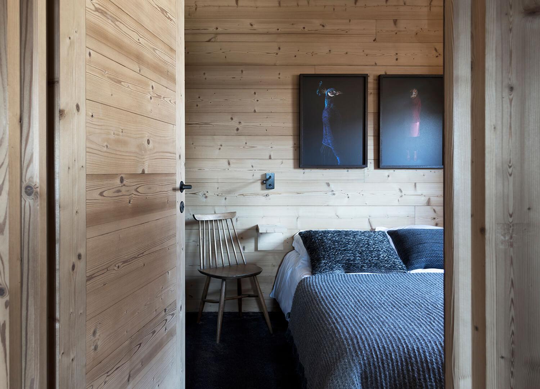 est living interiors alpine living studio razavir mountain house simone bossi.03
