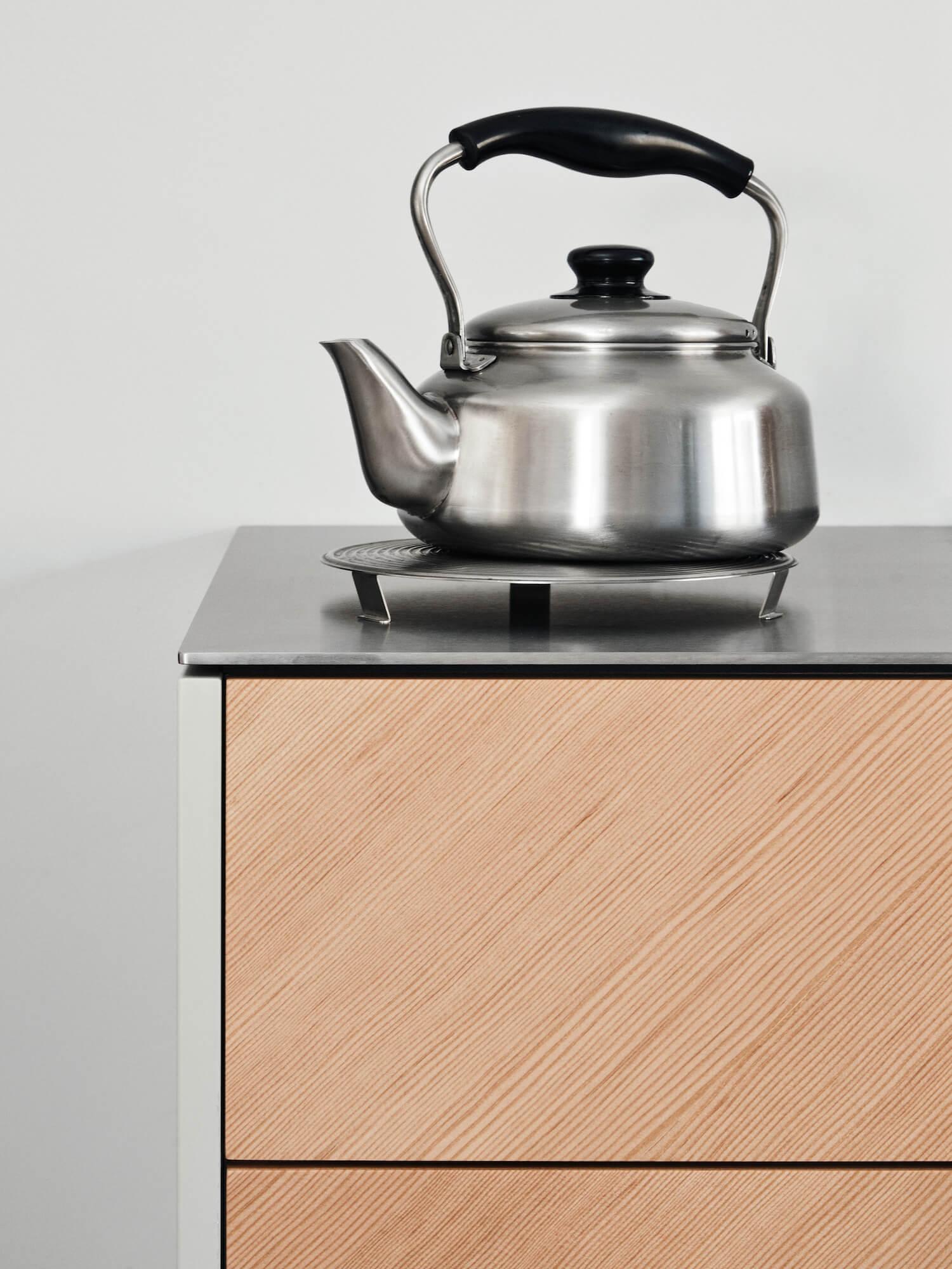 est living stainless steel kitchen reform degree ceclie manz 04